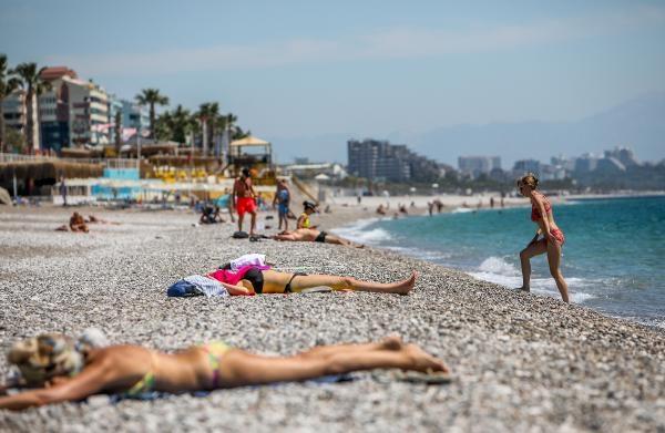 2021/05/kisitlamadan-muaf-turistler-denizin-keyfini-cikardi-48d2cda6131c-1.jpg