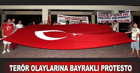 Terör olaylarına bayraklı protesto