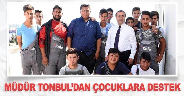 Müdür Tonbul'dan çocuklara destek