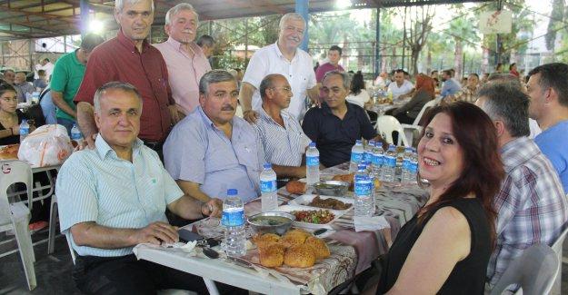 Bucak'tan iftar yemeği