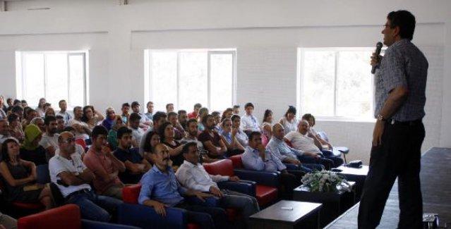 Öğretmenlere 'eğitim' konferansı
