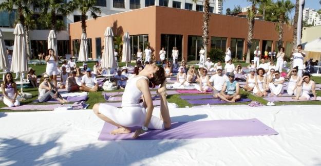 Antalya'da Yoga Festivali başladı