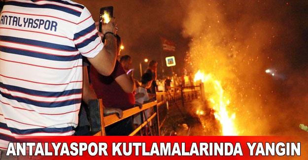 Antalyaspor kutlamalarında yangın