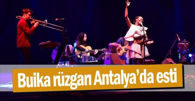 Buika rüzgarı Antalya'da esti