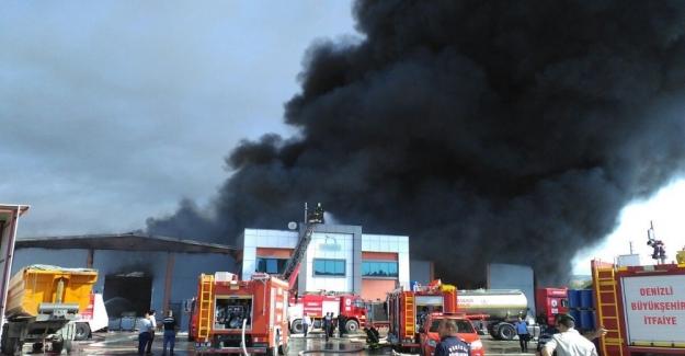 Kimyasal atık fabrikasında yangın