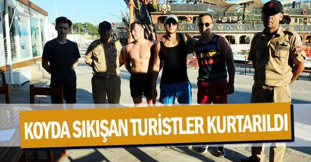 Koyda sıkışan turistler kurtarıldı