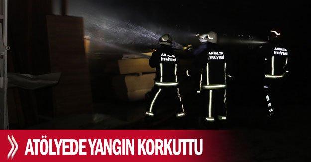 Mobilya atölyesinde yangın korkuttu