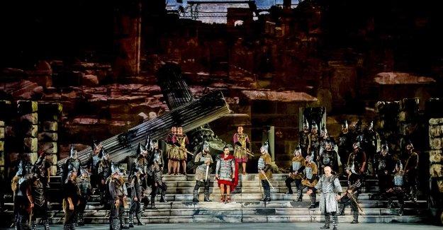 Festivale 'Aida' operasıyla start