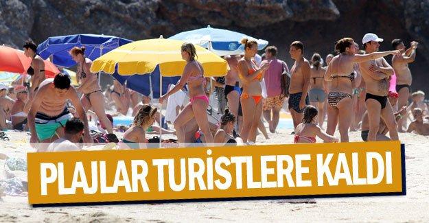 Plajlar turistlere kaldı