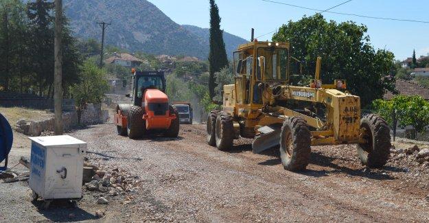 Akkoç yolu asfalta hazırlanıyor