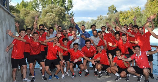 Milli futbolcular Manavgat'ı gezdi
