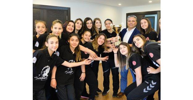 Muratpaşa'dan Cumhuriyet Kupası