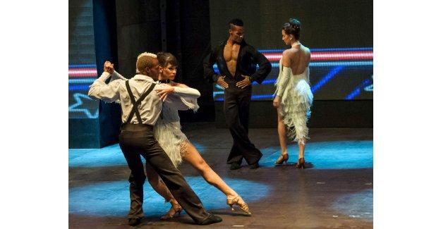 Öğrenciler için  Tango yapacaklar