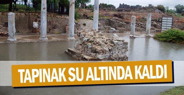 Tapınak su altında kaldı