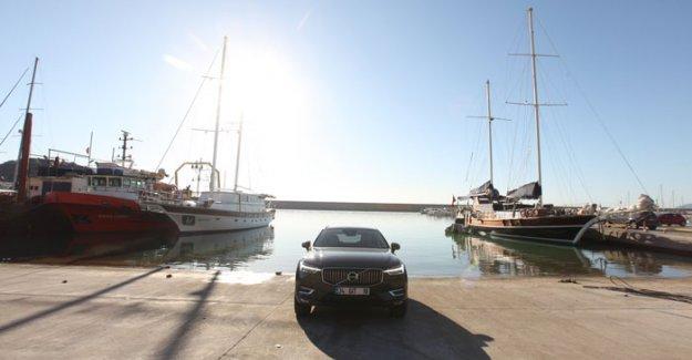 Yeni Volvo XC60 Antalya'yı keşfetti