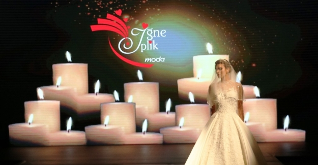 Antalya'da 'aşk' temalı gelinlik defilesi