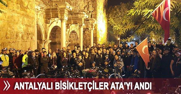 Antalyalı bisikletçiler Ata'yı andı