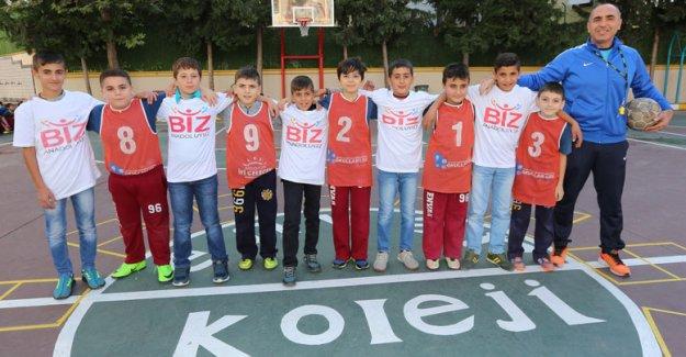 Bitlisli öğrenciler  Envar'ın konuğu