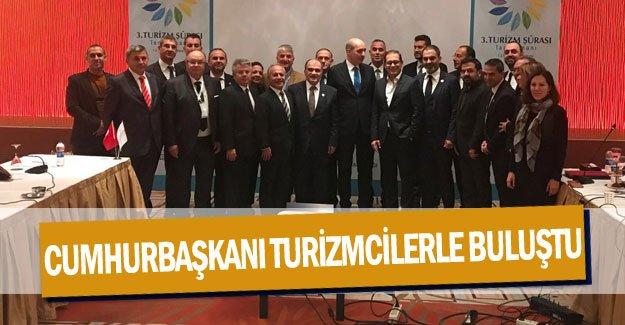 Cumhurbaşkanı turizmcilerle buluştu