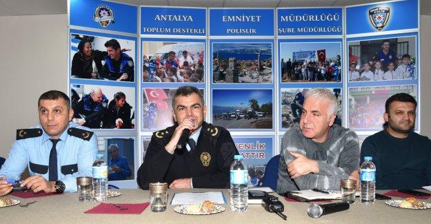 Polisten 'huzur' toplantısı