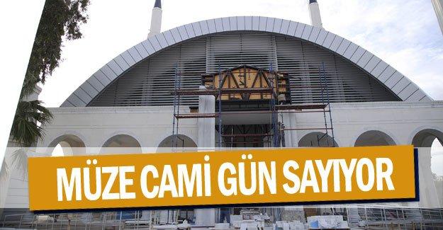 Müze Cami gün sayıyor
