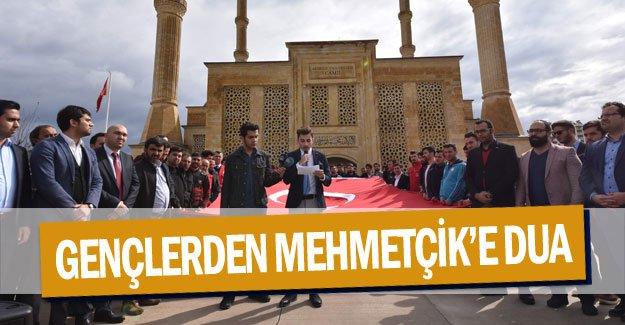 Antalyalı gençlerden Mehmetçik'e dua