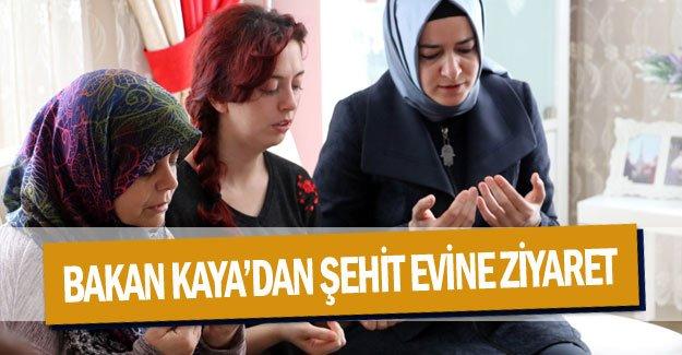 Bakan Kaya'dan  şehit evine ziyaret