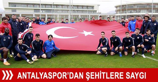 Antalyaspor'dan şehitlere saygı