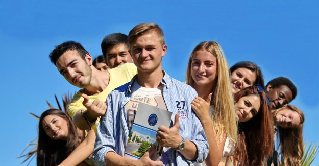 AÜ'den uluslararası  öğrenciler için sınav