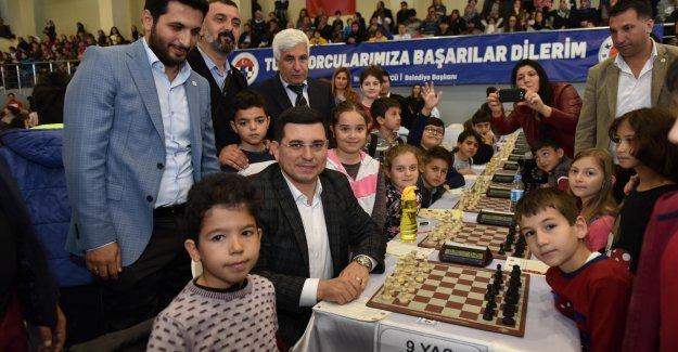 Kepez'de genç  zihinler yarıştı