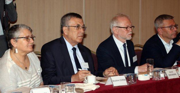 Antalya'da  'göç' semineri