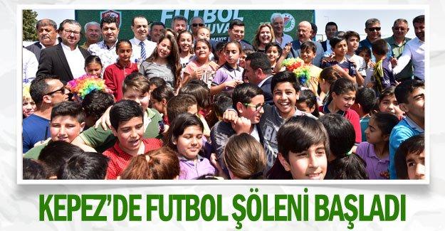 Kepez'de futbol şöleni başladı