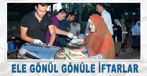 İbradı'da el ele gönül gönüle iftarlar