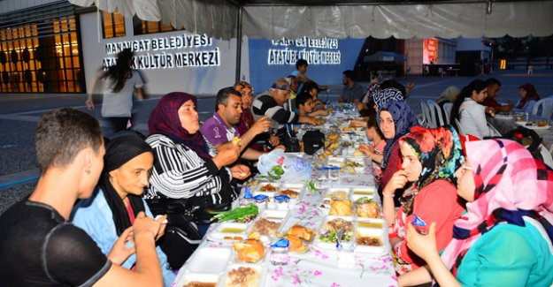 Manavgat'ta ilk iftar