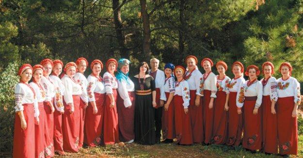 Ukraynalı kadınlar türkü söyleyecek