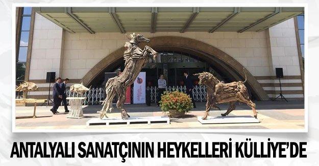 Antalyalı sanatçının heykelleri Külliye'de