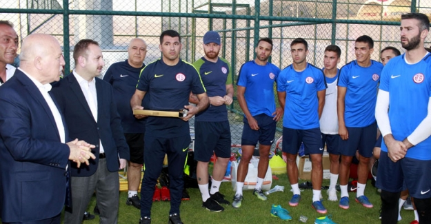 Antalyaspor'a önemli ziyaretçi