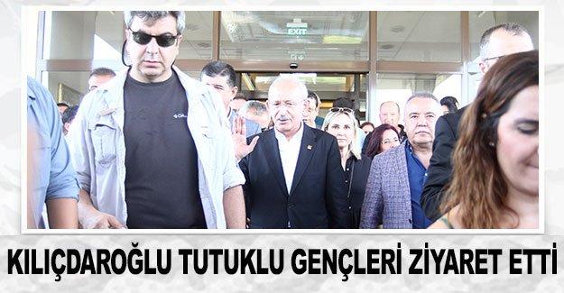 Kılıçdaroğlu tutuklu gençleri ziyaret etti