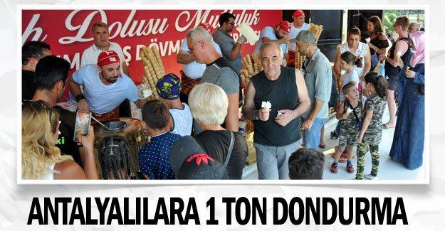 Antalyalılara 1 ton dondurma