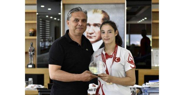 Paşa'nın altın kızı Türkiye şampiyonu