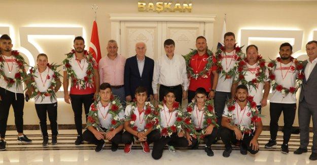 ASAT pehlivanları 12 madalya kazandı
