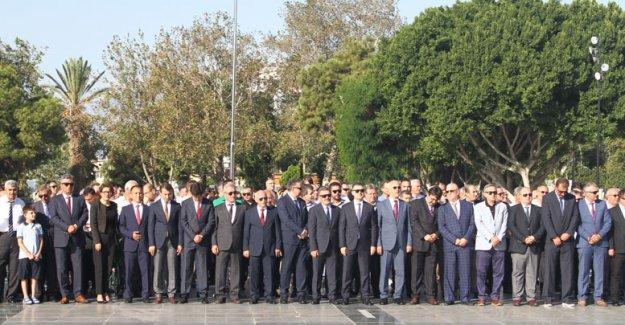 Cumhuriyet Meydanı'nda tören