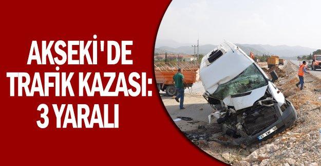 Akseki'de trafik kazası: 3 yaralı