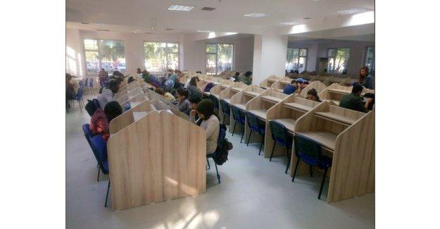 AÜ'de ek kütüphane açıldı