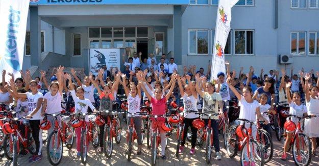 Kemer'de bisiklet dağıtımları başlıyor