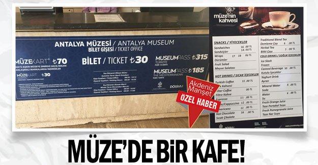 Müze'de bir kafe!