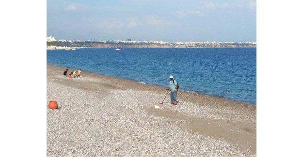 Plajda 'define' sezonu açıldı