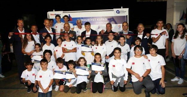 Yelken Kulübü'nün yeni tesisleri açıldı
