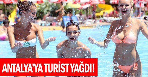 Antalya'ya turist yağdı!