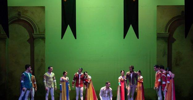 'Romeo ve Juliet'in  ölümsüz aşkı sahnede